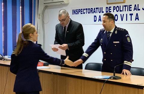 13 ofițeri de poliție și nouă agenți de poliție din cadrul Inspectoratului de Poliție Județean Dâmbovița au fost avansați în grad