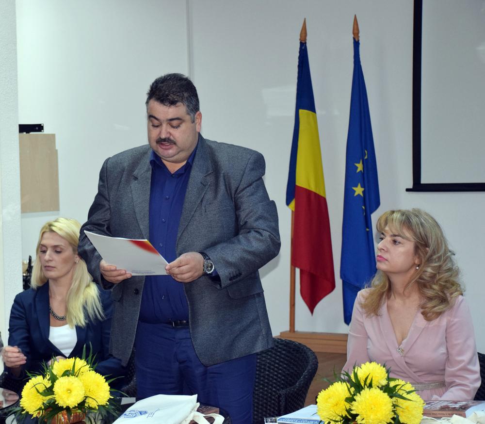 """Bibliotea Județeană """"I.H.Rădulescu"""" la ceas de sărbătoare"""