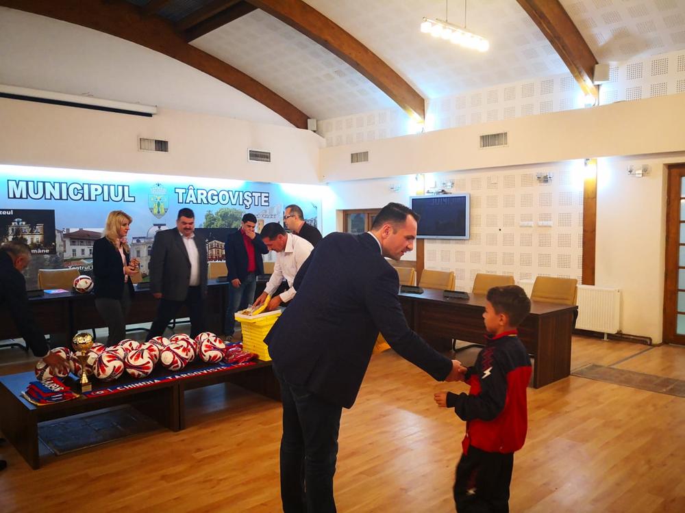 """""""Cupa Centenarului Marii Uniri"""" a ajuns la Târgovişte"""