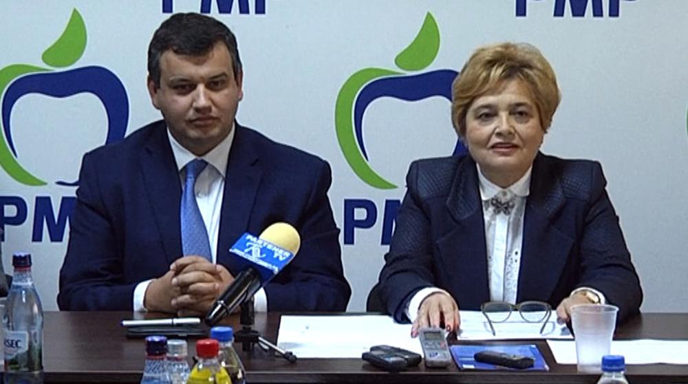 """Președintele PMP, Eugen Tomac, prezent la demararea campaniei """"Pensiile speciale sunt un furt"""", în judeţul Dâmboviţa"""