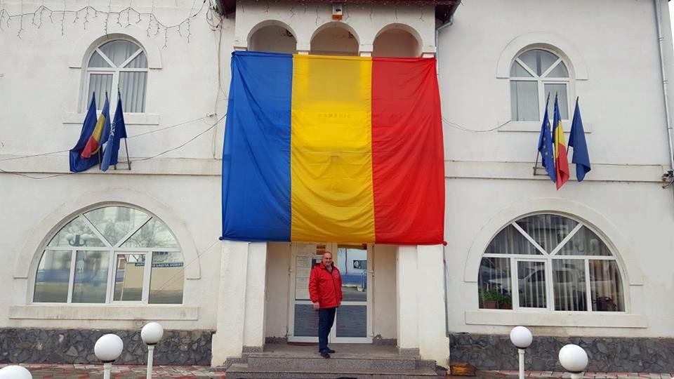Patriotism de 1 decembrie la Voineşti, 2200 de steaguri vor fi arborate