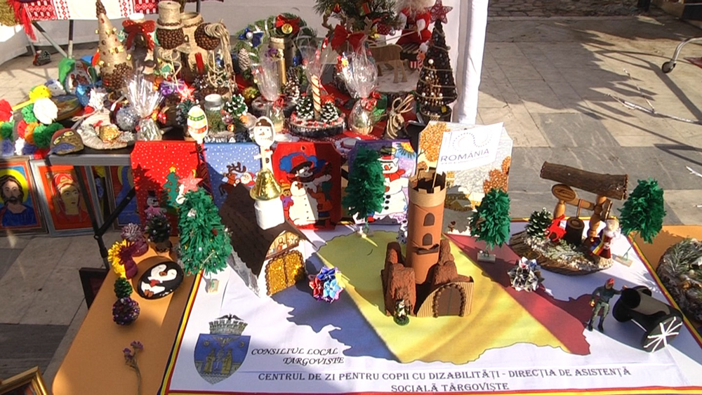 Expoziţie plină de culoare şi dăruire la  Târgovişte de  Ziua Internaţională a persoanelor cu dizabilităţi sărbătorită