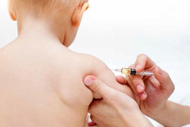 """A fost lansată campania de promovare a vaccinării """"Copilăria, cel mai frumos cadou"""""""