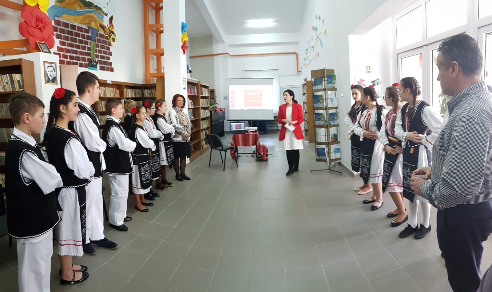 Deputatul Claudia Gilia susţine   proiectele de promovare  a tradiţiilor şi  obiceiurilor în comunităţile locale  dâmboviţrene : Dragobetele şi Mărţişorul