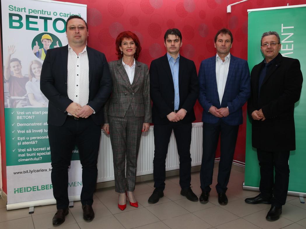 HeidelbergCement România și Fundația LEADERS lansează la Fieni un proiect de educație nonformală, adresat tinerilor liceeni din județ