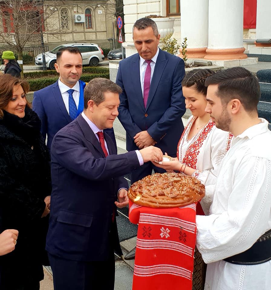 La Primăria Târgovişte  a avut loc vizita de lucru a preşedintelui  Guvernului din Provincia Castilla La Mancha. Ministrul Rovana Plumb a participat la această întâlnire
