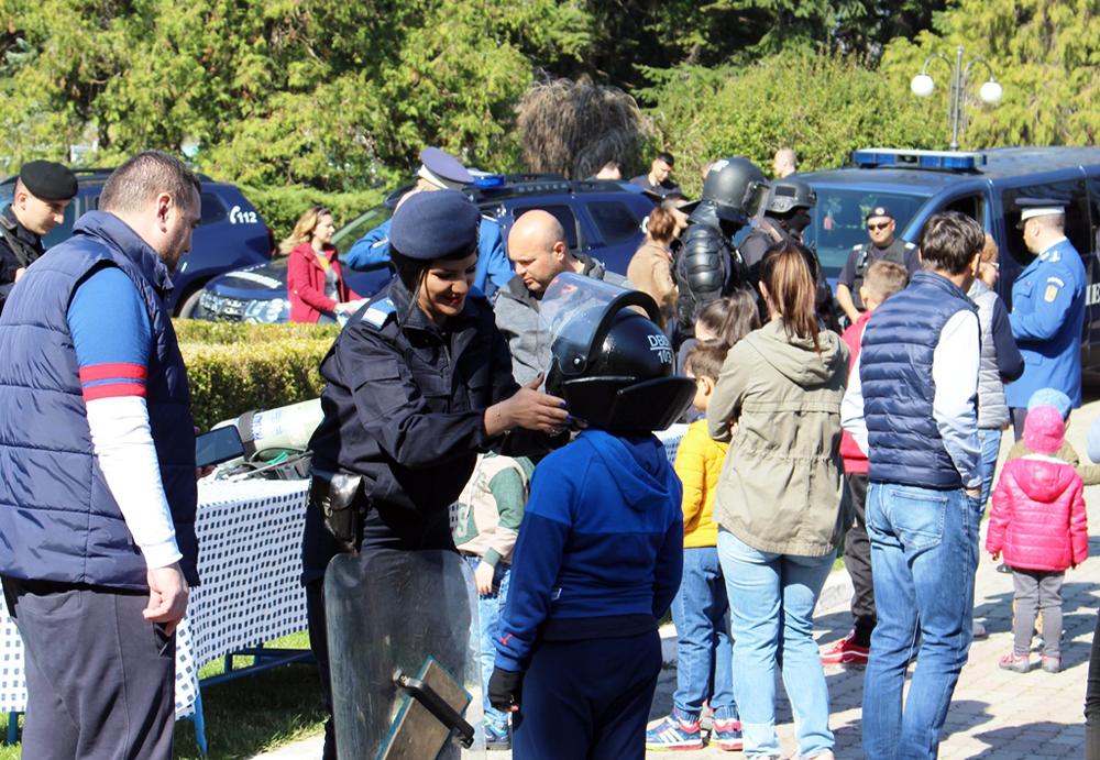 Jandarmeria Dâmboviţa a sărbătorit în Parcul Chindia, 169 de ani de la înfiinţarea Jandarmeria  Română