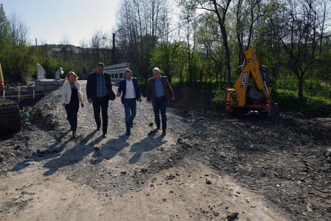 Investiţiile aflate în derulare la nivelul comunei Răzvad, inspectate de preşedintele C, Alexandru Oprea