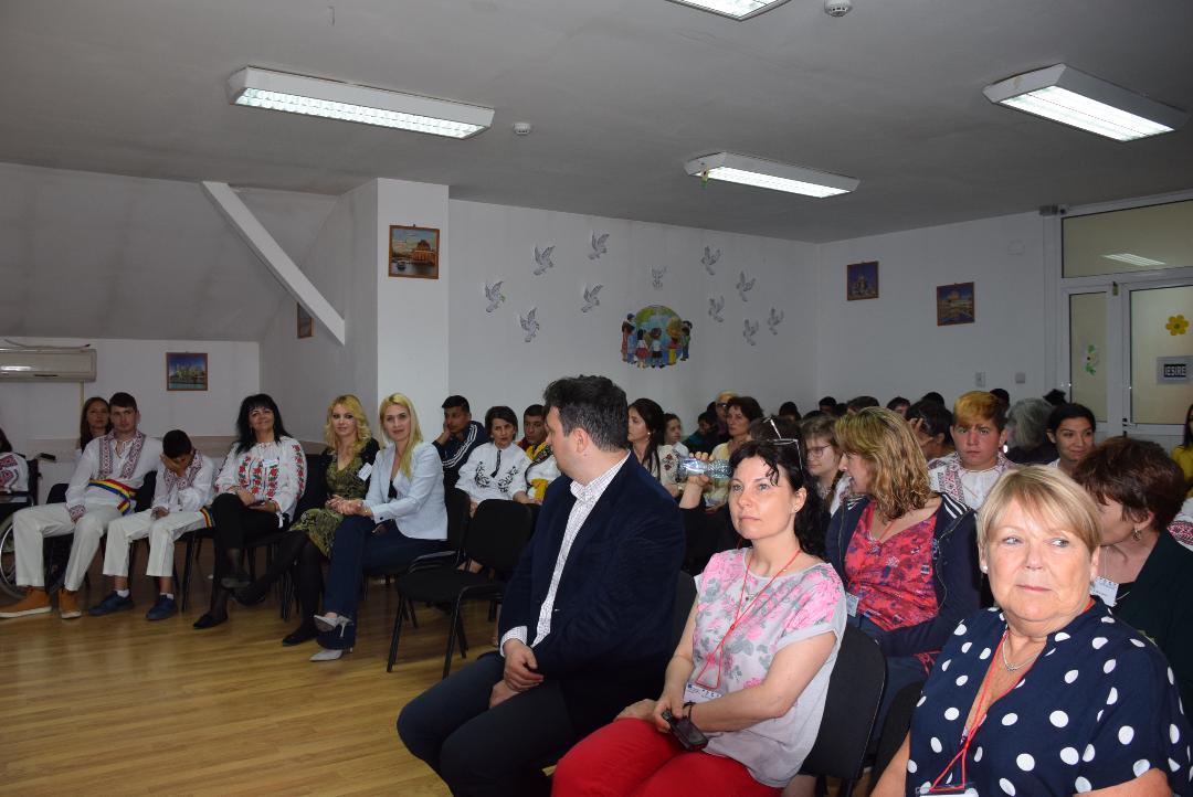 """La Școala Gimnazială Specială Târgoviște s-a dat startul  Proiectului Erasmus+ """"Future partnerships"""""""