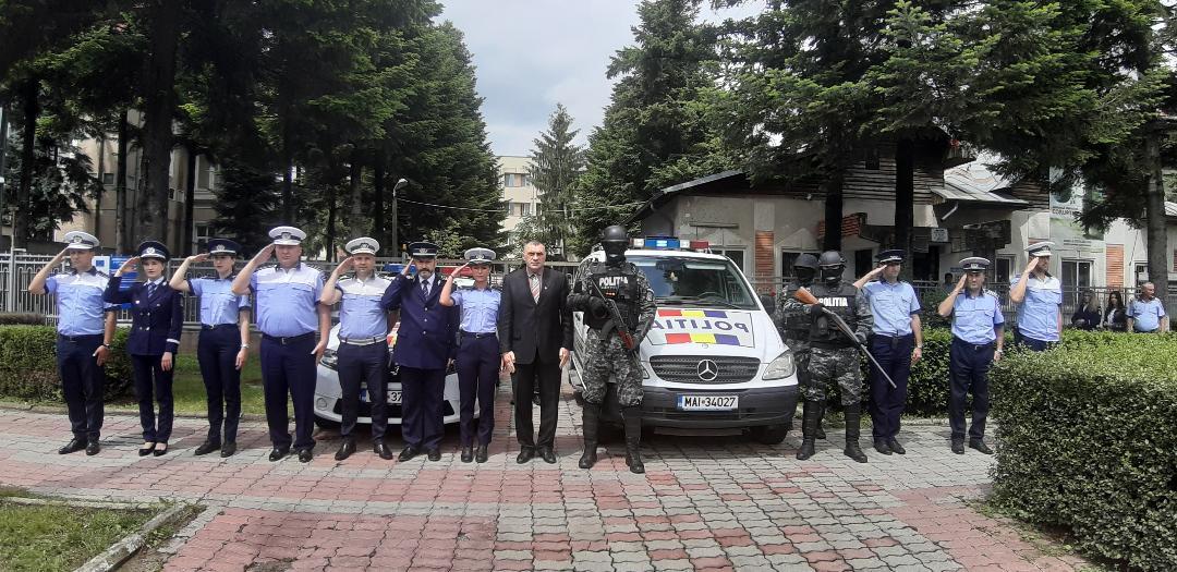 IPJ Dâmboviţa:Moment de reculegere pentru polițistul timişean, împușcat mortal în misiune