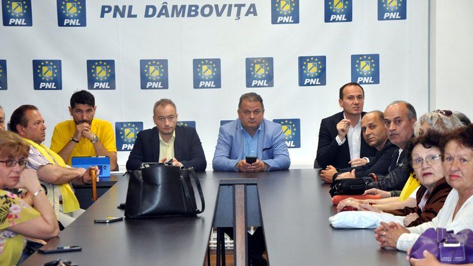 PNL  Dâmbovița le mulțumește dâmbovițenilor  pentru  semnăturile de  susținere a lui KLAUS IOHANNIS drept candidat la Președinția României