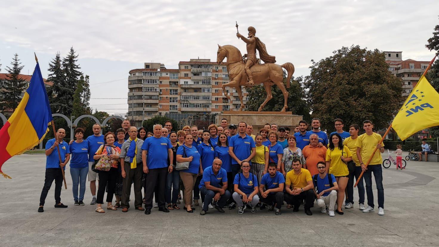 PNL Târgoviște strânge  semnături, pentru susținerea  lui Klaus Iohannis