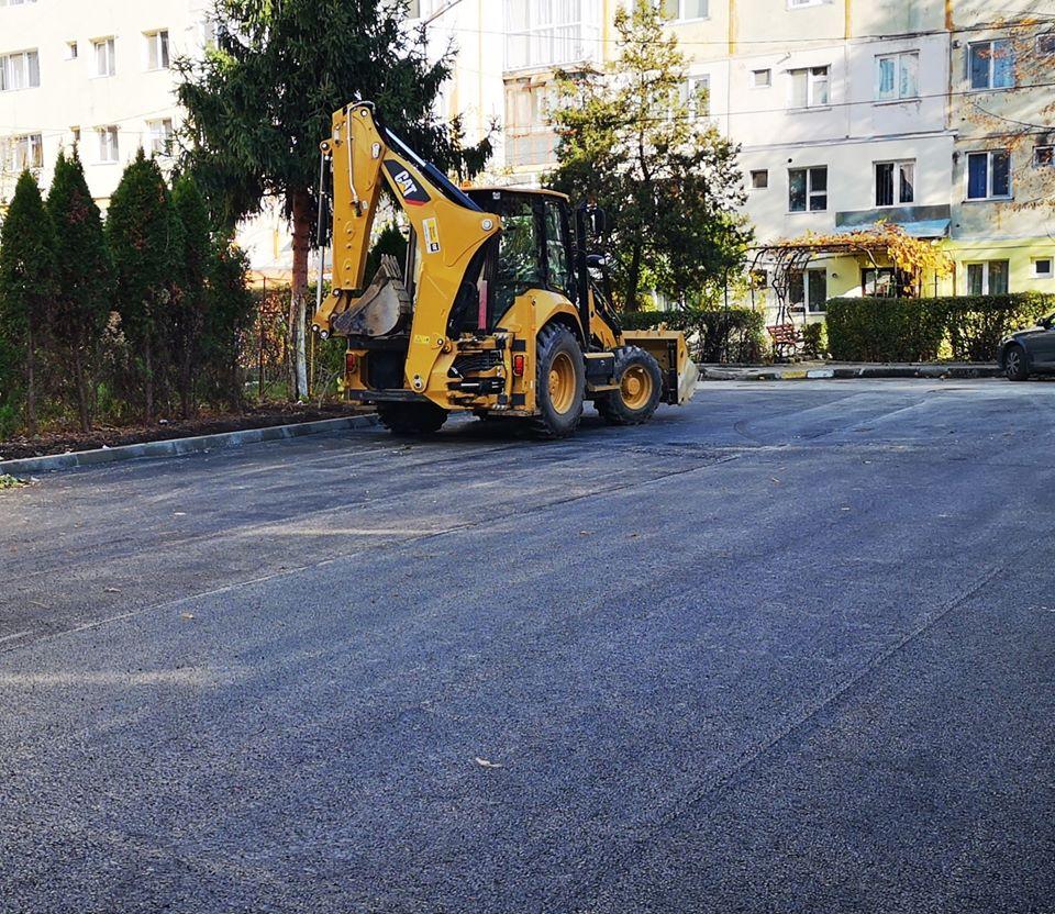 Lucrări de asfaltare și în zona blocurilor 14-17, strada Radu cel Mare din Târgovişte