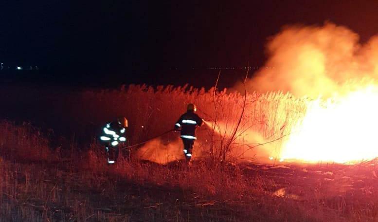 Un incendiu violent a izbucnit în  comuna Vlădeni