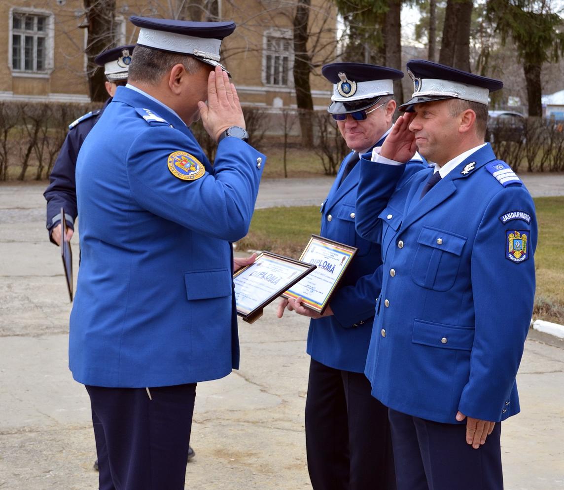 """Diplome la încheierea mandatului de onoare în instituția """"Oamenilor de arme"""""""