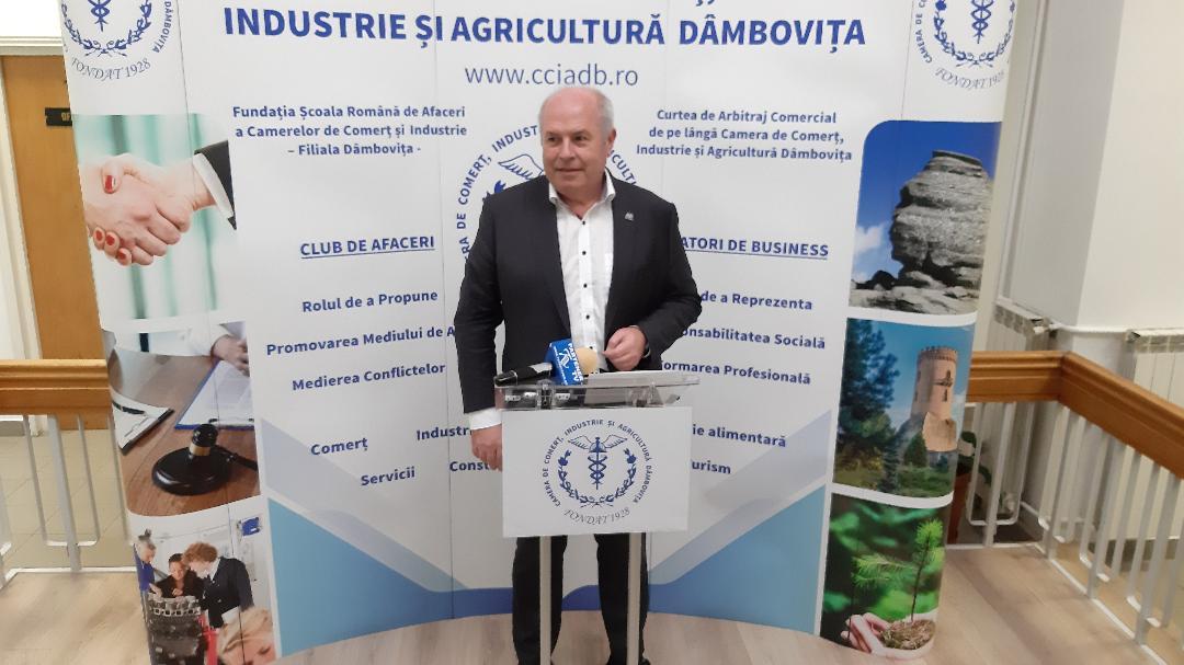Președintele Valentin Calcan  a vorbit  despre reorganizarea  Camerei de Comerț Dâmbovița pe secțiuni