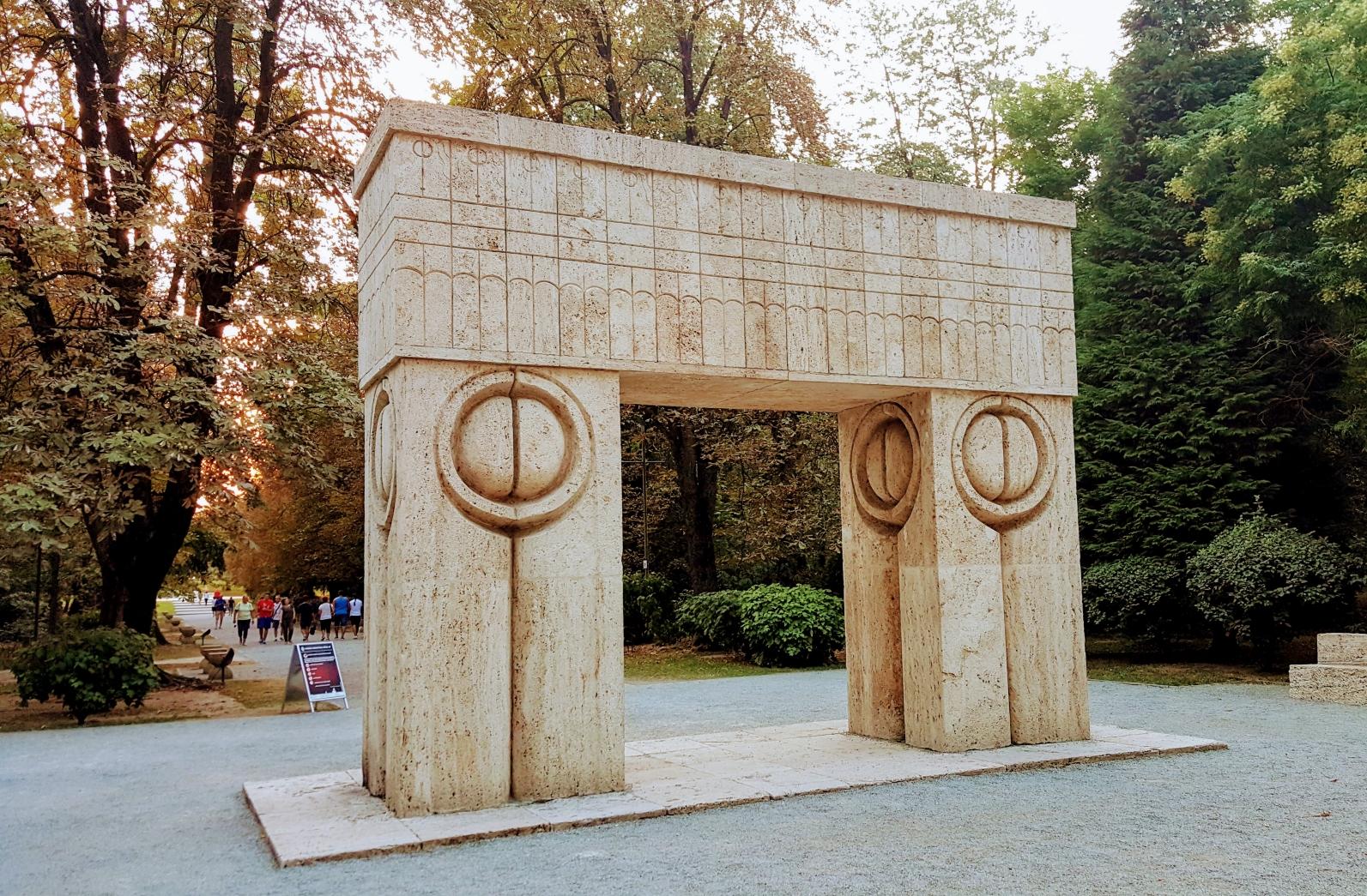 Ziua națională Constantin Brâncuşi. Se împlinesc 144 de ani de la naşterea marelui sculptor