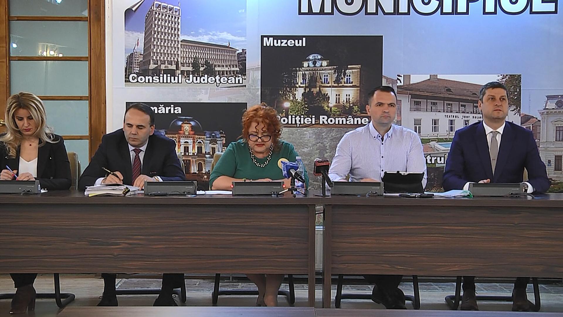 2,2 milioane lei, pentru  3000 de burse ce vor fi acordate  elevilor care învață la unitățile de învățământ din municipiul Târgoviște