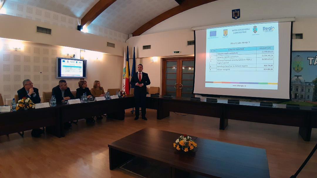 """S-a semnat contractul de finanțare pentru proiectul """" Eficientizarea Energetică a Sistemului de Iluminat Public din municipiul Târgoviște"""""""