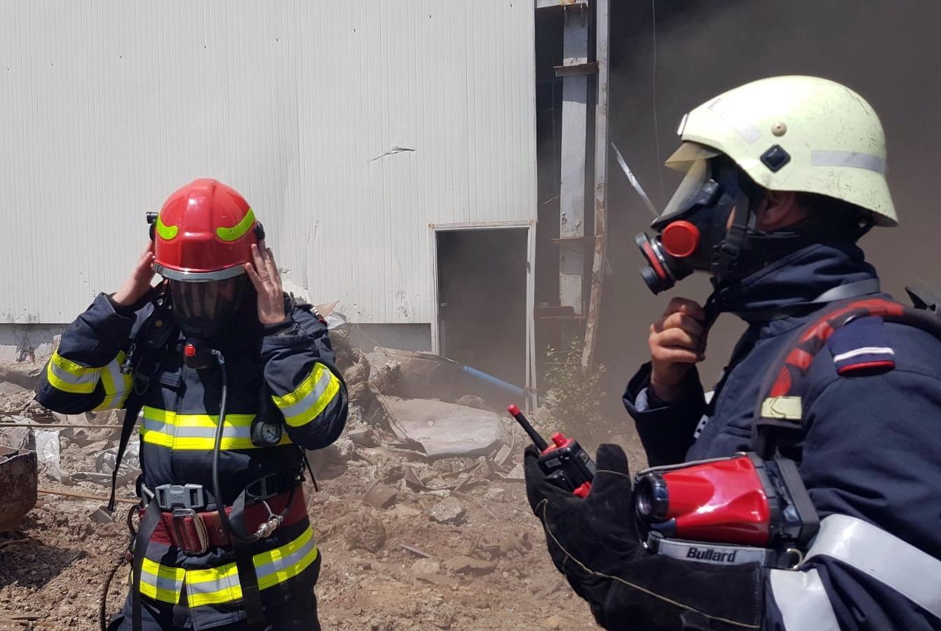 Incendiu la o hală dezafectată din incinta fostei termocentrale Doicești