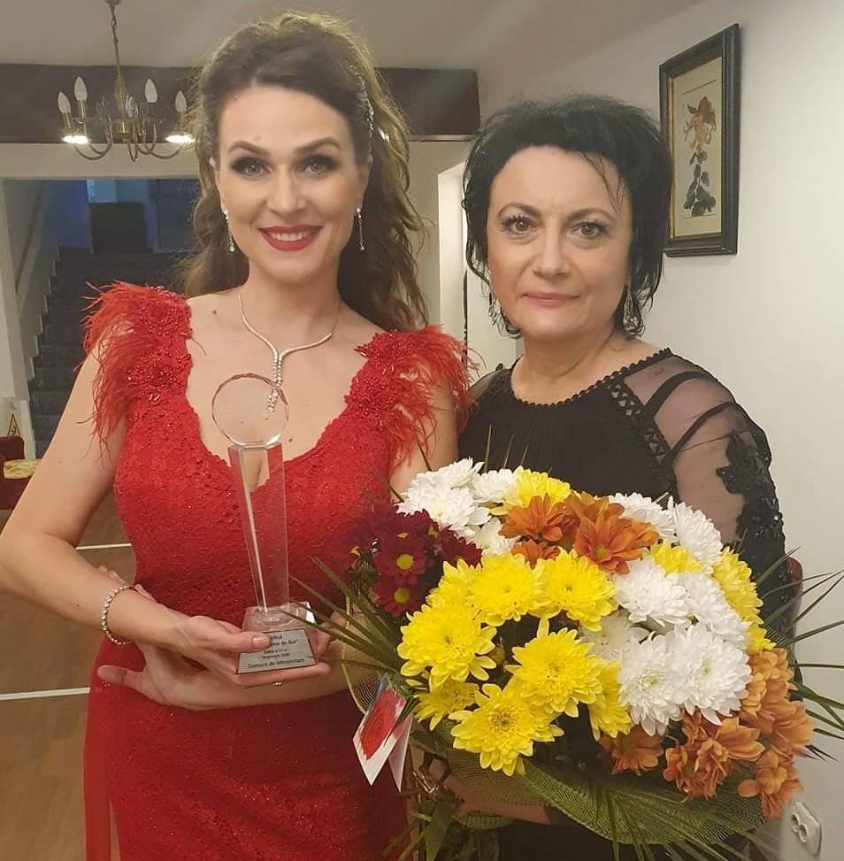 """Alina Huţu Călinescu din Botoşani, a câştigat Trofeul """"Crizantema de aur"""" 2020"""