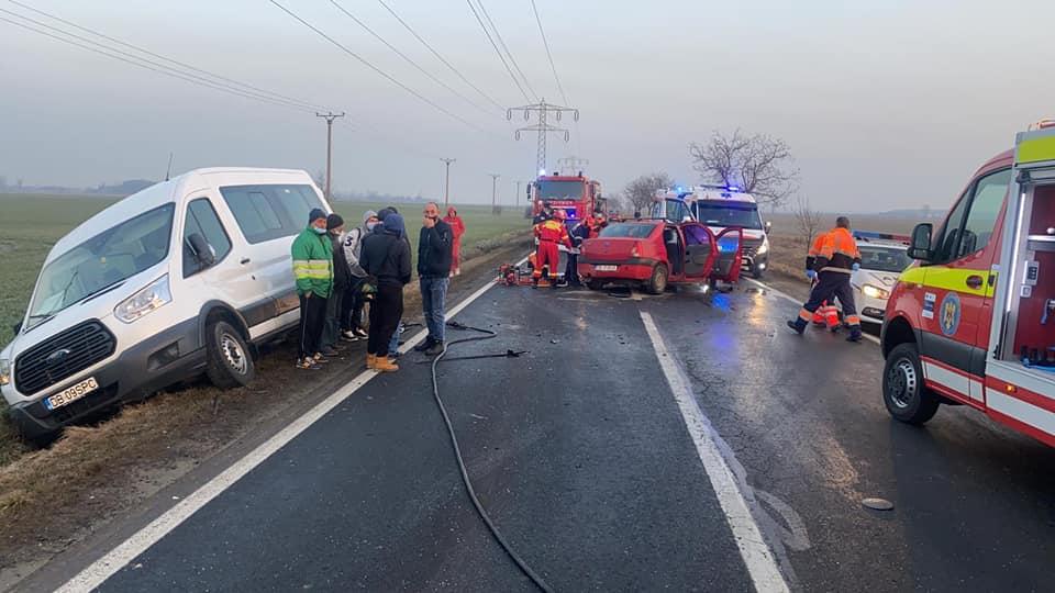 Accident rutier pe DN 71, în localitatea Mircea Vodă, cu 5 victime încarcerate