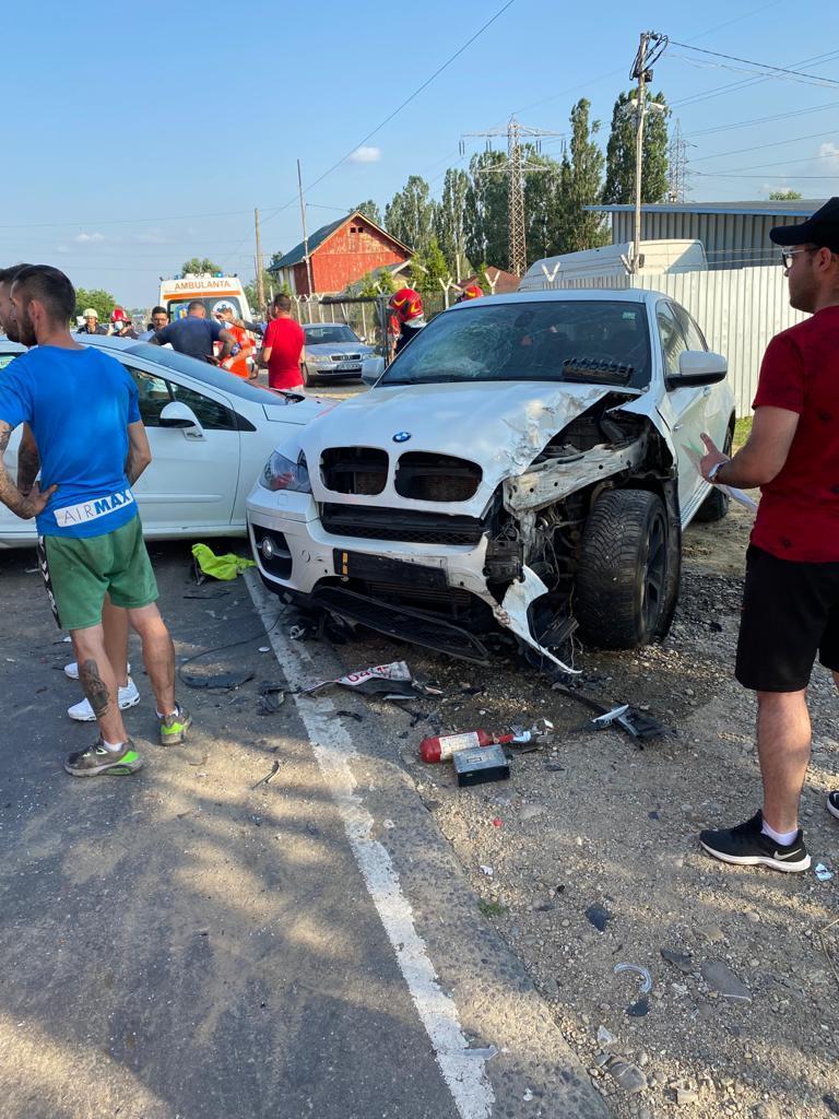 Accident în lanț, nu a păstrat distanța corespunzătoare în mers