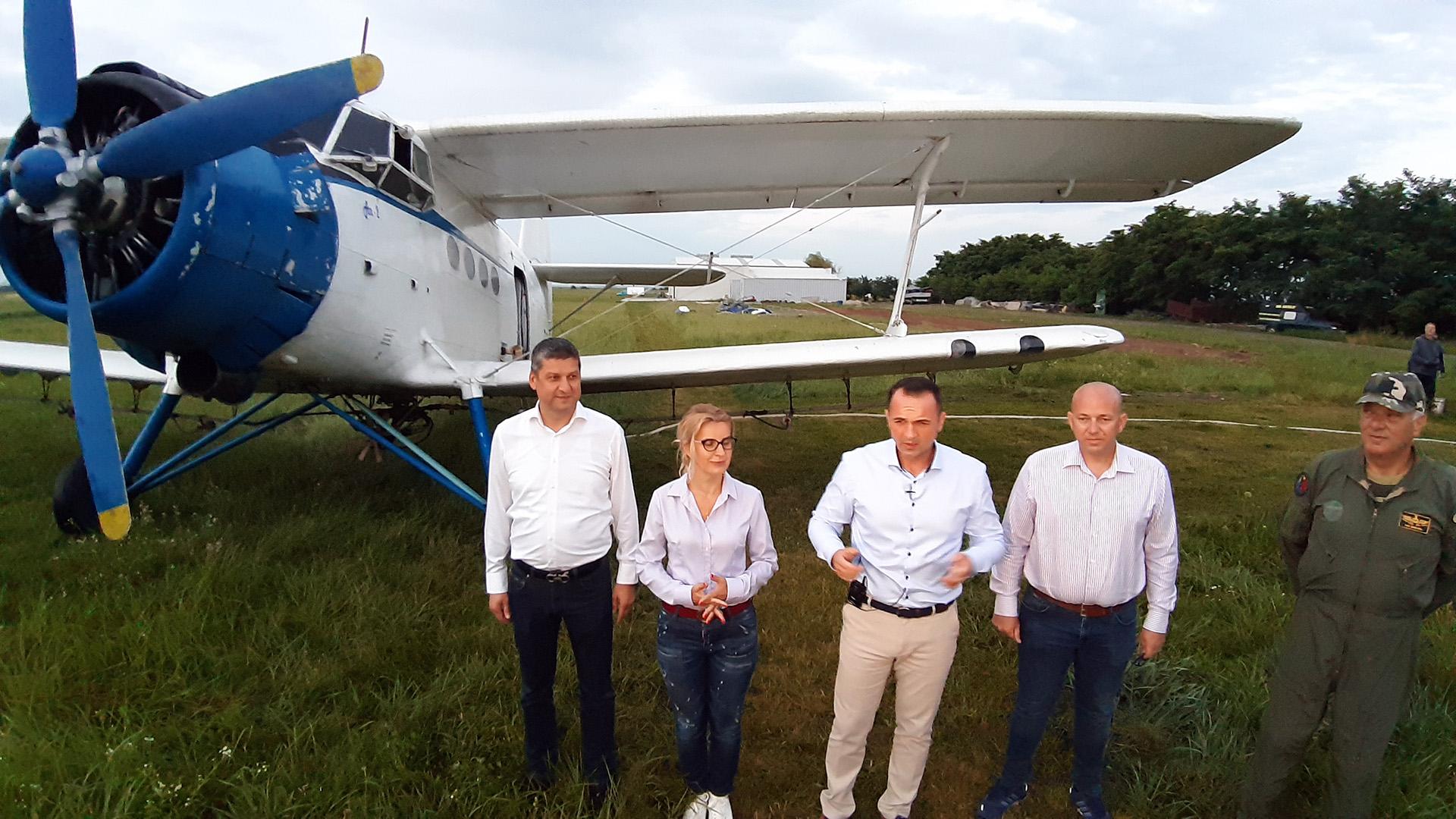 Avionul anti-țânțari deasupra Târgoviștei