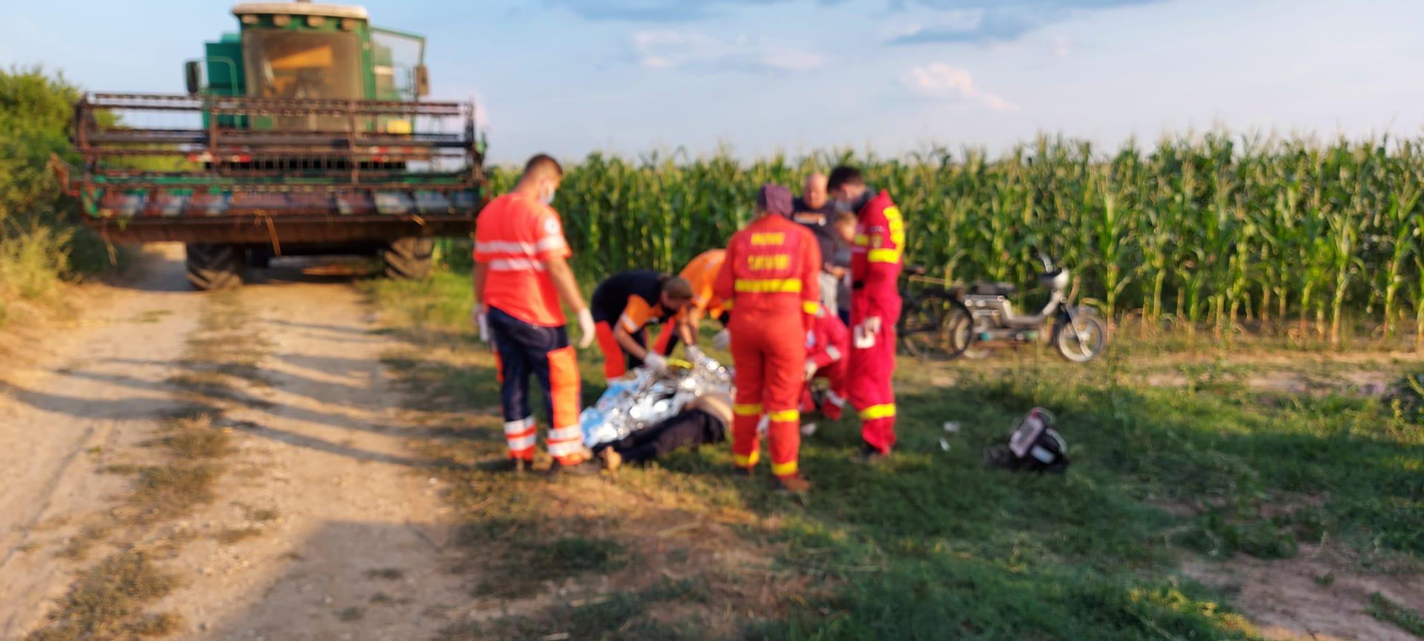 Tragedie la Corbii Mari, bărbat strivit de  tractorul cu care s-a răsturnat