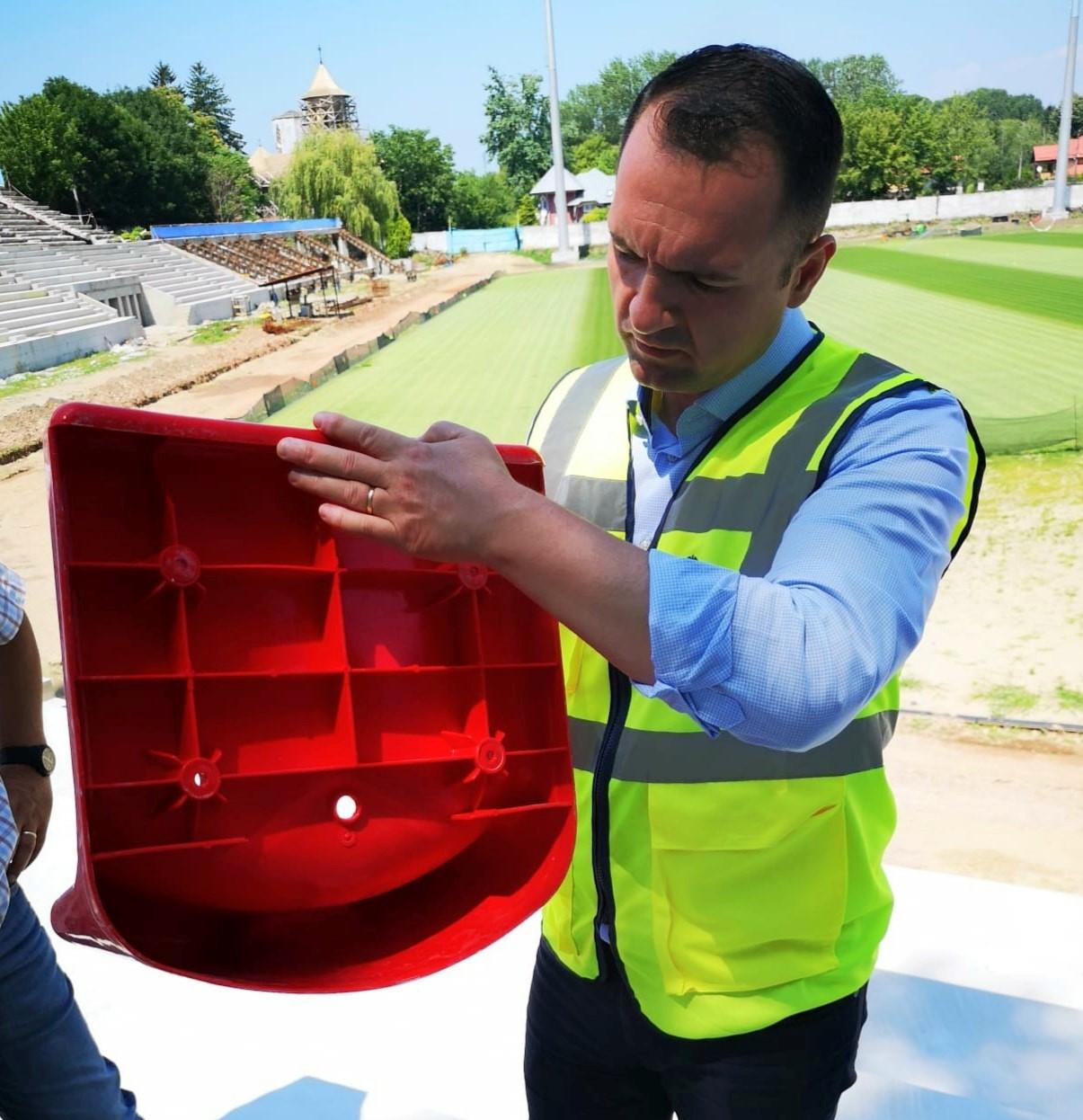 """Se lucrează la Stadionul """"Eugen Popescu"""""""